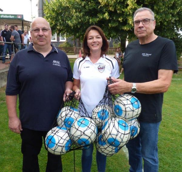resizedimage600566-Ballspende-Sportwoche-2016