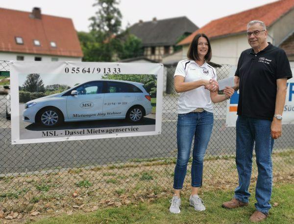 Der Mietwagenservice MSL-Dassel unterstützt anlässlich der Sportwoche den TSV Lauenberg